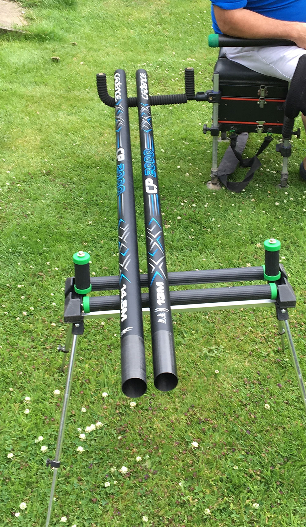 Ripple Effect: Here you can see how a ripple bar and a spare roller can keep expensive pole sections off the ground, out of harm's way