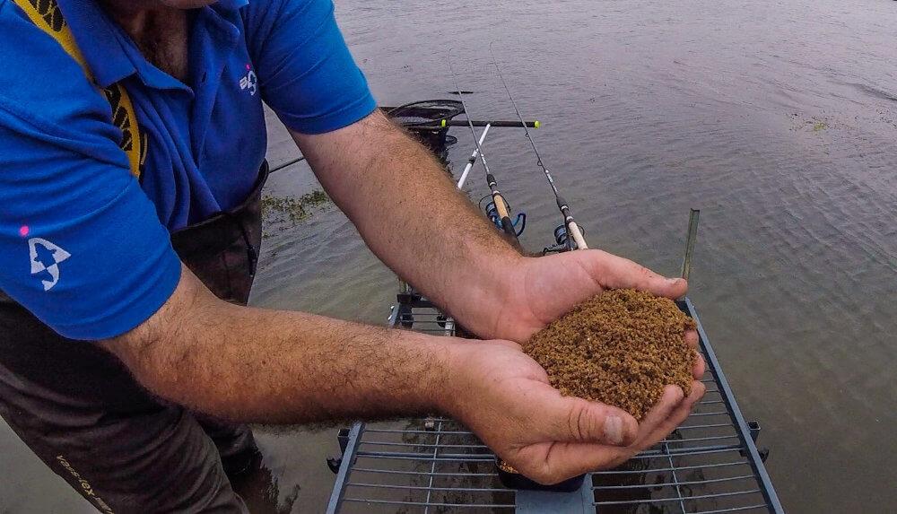 Bream fishing groundbait